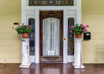 Front Door - Isabella Bed and Breakfast